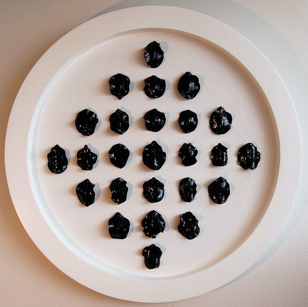 101a-kunst-minimalisme-schilderij-zwart-wit-diameter-80cm-950euro-henkbroeke.jpg