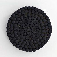 kunst-minimalisme- zwart wandobject met kurk-Jan Henderikse-8.jpg