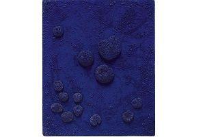 kunst-minimalisme-blauw schilderij met sponzen-yves klein-8.jpg
