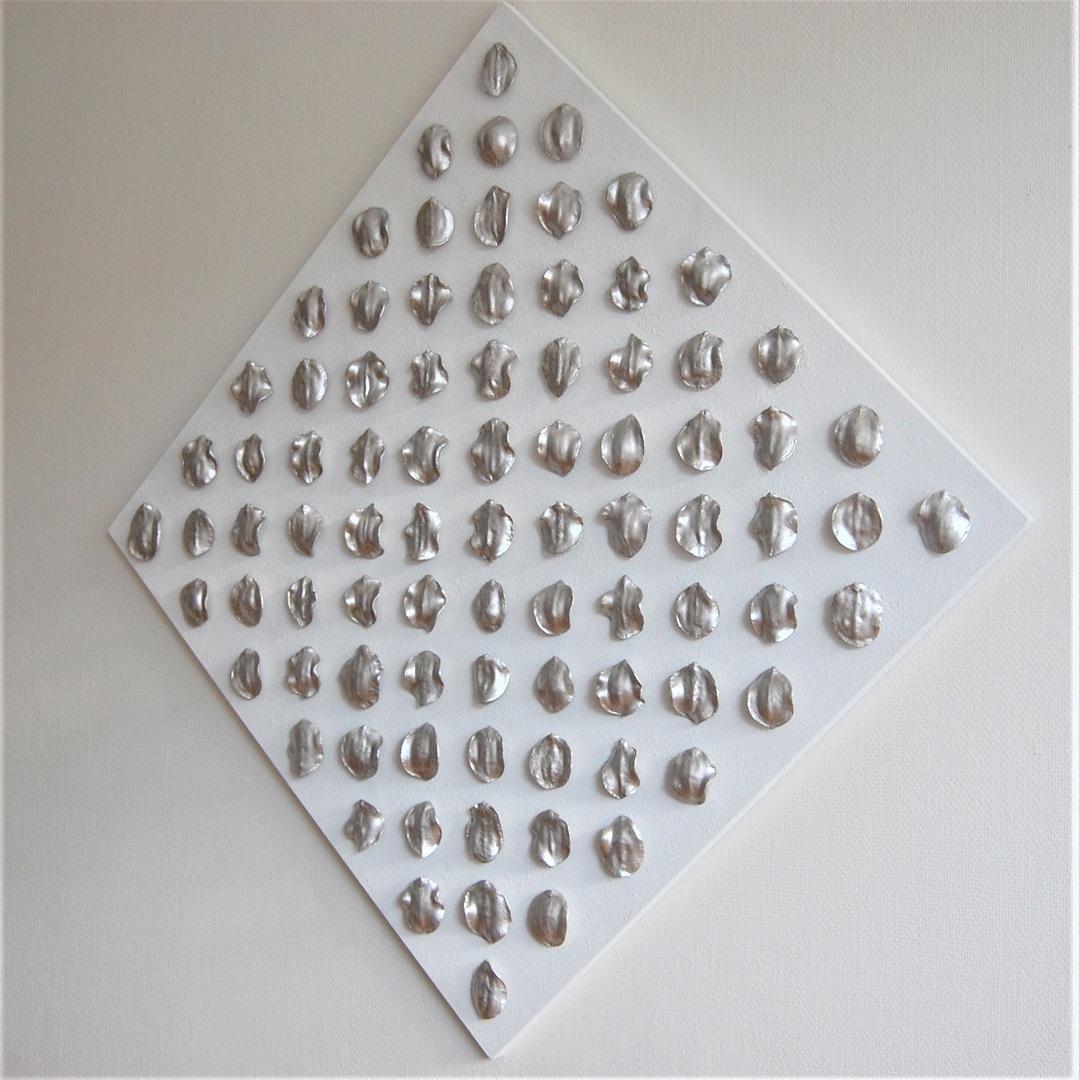 104c-kunst-minimalisme-schilderij-zilver-wit-127x127cm-1500euro-henkbroeke.jpg