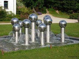 kunst-minimalisme-zilveren fontein 2-pol bury-6.jpg