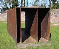 kunst-minimalisme-metalen object van donald judd-2.jpg